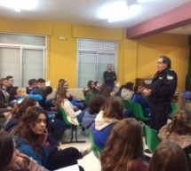 Charla-coloqio por especialistas de la policia local